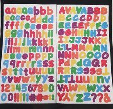 200 x ARCOBALENO lettere dell'alfabeto peel off adesivi MAIUSCOLO MINUSCOLO NUMERI