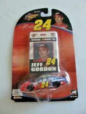 #24 JEFF GORDON - DuPONT FLAMES CHEVY - Winners Circle 2004 - 1:64 DIECAST CAR