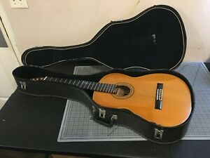 1984 Takamine C132S Classical Acoustic Guitar, Great Condition! Includes Case!