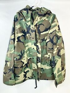 US Military Parka Cold/Wet Weather Woodland Camouflage sz Large Short