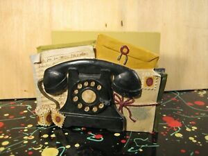 Figi Rotary Telephone Resin & Wood Desktop Letter Holder