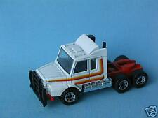 Matchbox Scania T142 Truck White and Red Body Convoy Toy Model Car