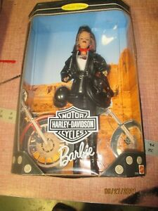 Harley-Davidson Barbie Doll, Leather jacket and accessories, 1999