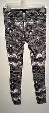 Athleta Womens Gray & White Active Capri Yoga Pants Size XS