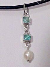 Colgante de esmeraldas y perla en plata de ley