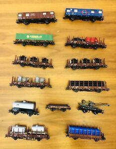 Liliput H0 Güterwagen-Konvolut mit Kran, Röhren, PKWs, Tanks usw. --- AC, 12 St