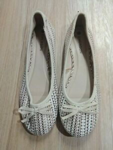 WOMEN'S FLAT SHOES by EMERSON size 9 - Cream and brown NEW FLAT SHOES size 9