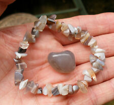 GREY BROWN AGATE BEADED STRETCH BRACELET - POLISHED TUMBLESTONE GIFT BAG & CARD
