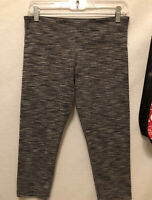 Ω Size 8 Lululemon Wunder Under Low Rise Crop Leggings Cyber Stripe Gray Black