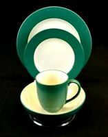 NORITAKE Colorwave Spruce Stoneware, 4 piece place setting, pre owned
