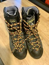 New La Sportiva Mountaineering Boots, Size 42, Us 9, Leather, Insulated
