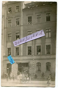 Foto als Postkarte von 1909 : Wohnaus mit Laden-Geschäft in Liegnitz / Schlesien