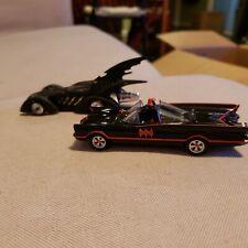 2 Hot Wheels Batmobiles 1:32