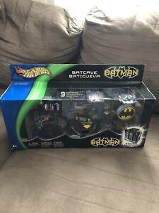 Hot Wheels Batman Batcave NIB