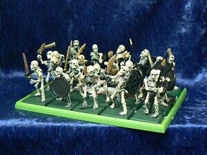 20x Warhammer Plastic Skeletons Regiment Classic Fantasy OOP On Base (D)