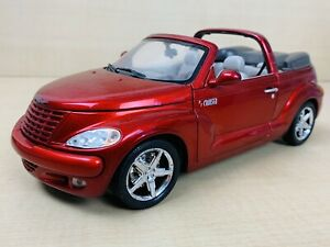 Motor Max 1:18 Scale Chrysler PT Cruiser Convertible Diecast Car Model In Red