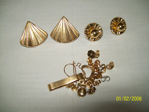 Nice Lot of 14k Gold Earrings and More......6.2 grms Some Scrap