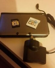 Nintendo 3DS XL console and 1 game