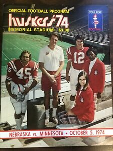 NEBRASKA VS MINNESOTA OFFICIAL COLLEGE FOOTBALL PROGRAM 1974 EXCELLENT CONDITION