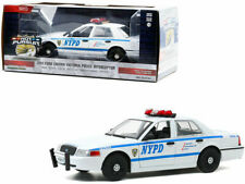 Greenlight 1/24 NYPD New York City Police 2011 Ford Crown Victoria 85513