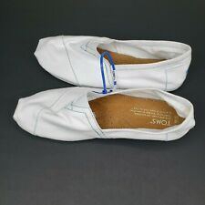 Toms Classic Slip On Flats Mens Size 10 Canvas White Shoes NWOT