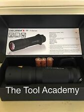 GENUINE! UK LED LENSER 9804TP POLICE TACTICAL TORCH 220 metre range  280 Lumens