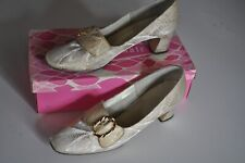 Vintage Gold Brocade Shoes Ladies size 8 1/2 Color Mate with Original Box