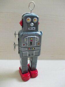 Wind Up Clockwork Grey Atomic Robot Man - No Box