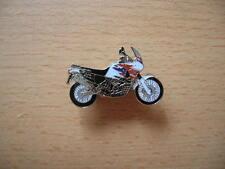 Pin badge honda xrv 750/xrv750 Africa twin modèle 1998 type 0705