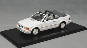 Neo Models Ford Escort XR3i Cabriolet in White 1986 MkIV Mk4 44956 1/43 NEW