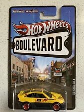 Hot Wheels 2013 Boulevard Series 1985 Honda CRX Yellow Color with Real Riders