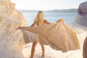 Hencely Geometric Beach Towel Gold