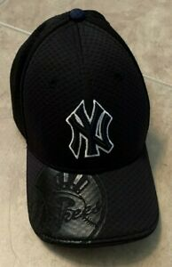 New Era 39Thirty New York Yankees Black Hat Cap Fitted Youth One Size NEW