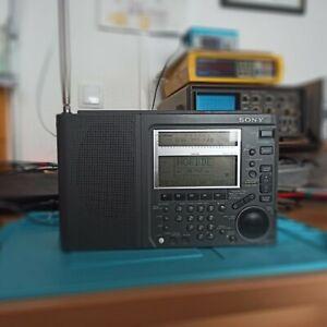 Sony ICF-SW77 Weltempfänger mit Acryl-Halterung