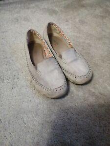 Sketchers summer shoes  memory foam insole size 4