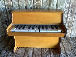 VINTAGE UPRIGHT TOY PIANO - PLAYS ALL KEYS - CHILDRENS RETRO MUSICAL TOY