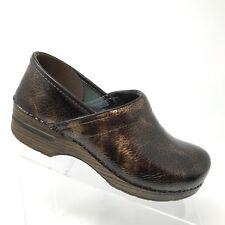Dansko Brown Patent Leather Textured Clog Nursing Shoe Womens SIZE 40 / 9.5 - 10