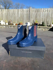 Tommy Hilfiger Size 6 Navy Monogram Rain Boots Wellies Short Height RRP - £80