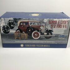 Franklin Mint Precision Models Bonnie & Clyde's 1932 Ford V-8 1:24 Scale New!