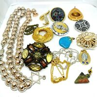 Vintage Job Lot Vintage Jewellery 17 Pieces. Costume Jewellery.