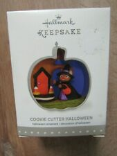 Hallmark Keepsake Ornament-2015-Cookie Cutter Halloween-Mouse Witch Trick Treat