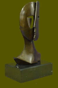 Bronze Sculpture depicting two faces Mask by Picasso Art Deco Modern Figurine