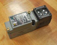 EATON Cutler Hammer E51AL-D1 Thru Beam E51 Limit Switch - NEW