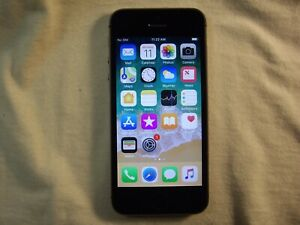 Black/Gray Apple iPhone 5s GSM Unlocked 16GB model A1533                     i7w
