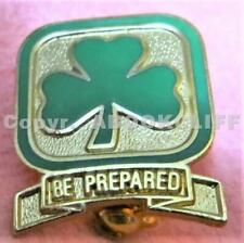GIRL GUIDES CANADA PATHFINDER ENROLLMENT Pin GREEN ENAMEL Mint