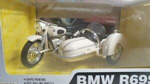 HOME TOYS / MAISTO  - BMW R69S & SIDECAR  - 1/18 SCALE MODEL MOTORCYCLE