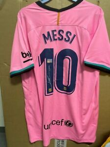 Signed Lionel Messi FC Barcelona shirt with Coa