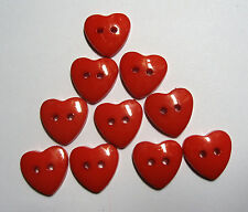 10 X Red Plastic 2-hole Heart Shape Buttons 14mm Wide (b121)