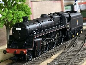 Bachmann 32-502 BR Standard Class 5MT 73082 4-6-0 Camelot BR Lined Black