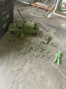 Vintage Soldier Toys Plus Tank And Truck